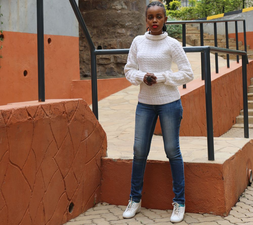 Simply Classic: Blue Jeans & White Sweater.